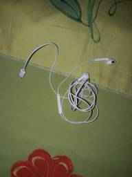 Vendo um fone de ouvido original do iPhone.