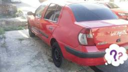 Renault clio filé