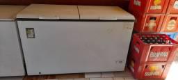 Vende-se freezer 1600