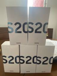 Título do anúncio: Samsung Galaxy S20 fé Snapdragon 128gb (aceito troca) cartão 12x