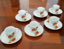 JOGO COM 6 XÍCARAS DE CAFÉ