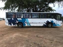 Título do anúncio: Vende-se ônibus motor 1721  Ano 2002 ?