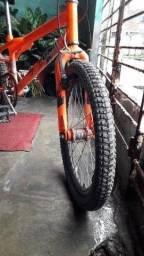 Bike cross nova toda de loja pra vender 350 pra vende não baixo sou do ibura
