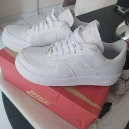 Título do anúncio: Tênis Nike Air (novo)