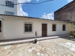 Título do anúncio: Casa a venda 2/4, rua Barão de Macaúbas, Macaúbas/Barbalho.