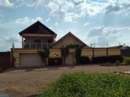 Belíssima casa estilo Europeia semi mobiliada Vendo ou Alugo no bairro belo horizonte