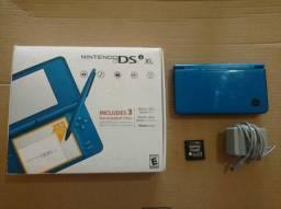 Nintendo DSi XL com jogo Pokémon