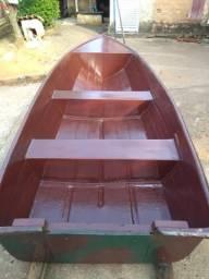 Vendo ou troco barco com motor .por um motor de popa 8 ou 15 HP - 2014