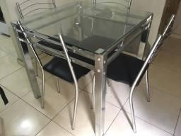 Mesa de inox e com vidro