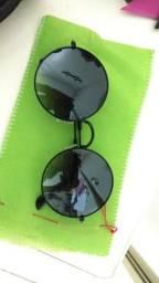 Vendo óculos Harajuku ( preto )