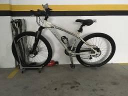 Bicicleta Conah e acessórios