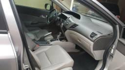 Honda Civic 1.8 completo, super conservado - 2013