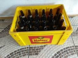 Caixa de cerveja com 24 garrafas