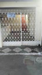 Vendo 2/4 escriturado, frente de rua no antigo fim de linha de São Cristóvão