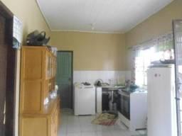 Vila por 190.000,00 com 4 quitinetes + uma casa com 2Q, tudo alugado