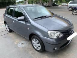 Toyota Etios XS 1.5 Completo - 2014
