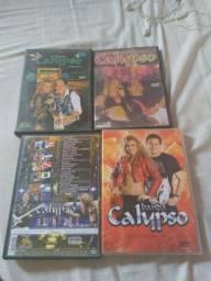 Vendo DVDs da banda Calypso