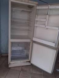 Vende-se geladeira usada