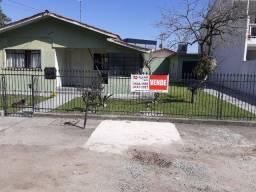 Casa com 03 dormitórios e amplo terreno - Boqueirão - R$ 395.000,00