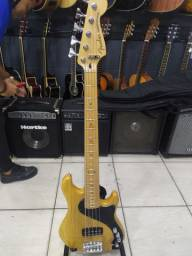 Fender dimension Bass