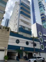 Apartamento 2 quartos muito bem localizado em Balneário Camboriú