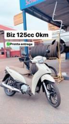 Título do anúncio: Biz 125cc branca 0km. Vendo já emplacada e documentada