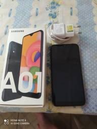 Samsung A01 com 32gb de memória.