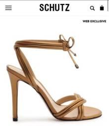 Título do anúncio: Sandália Schutz Nunca Usada   Tam 34