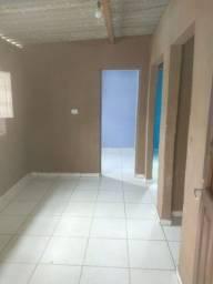 Alugasse uma casa num duplex 1 andar.valor 380