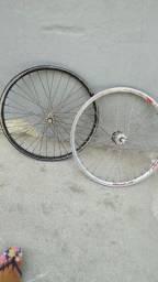 Duas jante de bicicleta