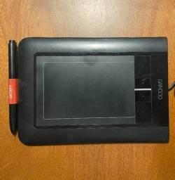 Título do anúncio: tablet bamboo wacom com defeito