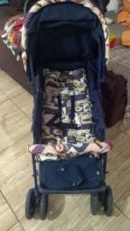 Vendo carrinho de bebê dá marca voyage semi novo muito pouco usado