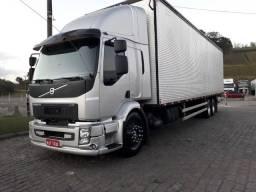 Título do anúncio: Caminhão volvo vm 260 baú 84 cub