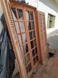 Título do anúncio: Porta Balcão De Abrir / Abrir De Madeira Itaúba - 2.15 (a) X 1.00 (l)