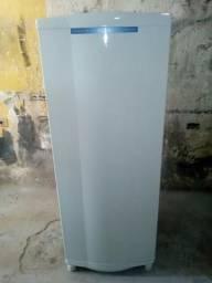 Vendo uma geladeira CONSUL gelo seco