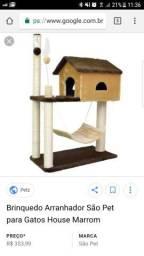 Casa de gato com arranhador