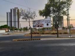 Aluga-se terreno urbano