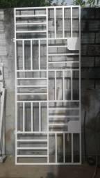Grade p porta
