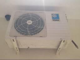 Ar Condicionado Sprinter marca york 12.000 Btu