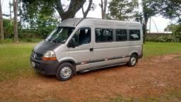 Vende se van com serviço fixo - 2012