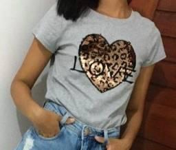 Tshirt love c/lantejoulas