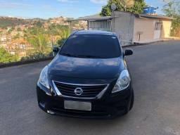 Vendo Nissan Versa com Kit Gás 5a geração