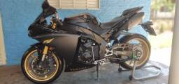 Moto R1 impecável