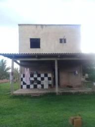 Vendo uma casa localizada  no Ramal do Ze Carlos Rodovia AC40 km 13