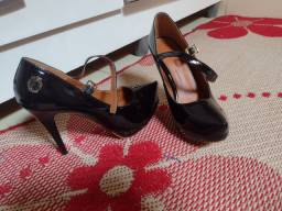Título do anúncio: Sapato preto princesa