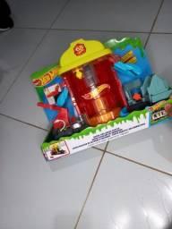 Título do anúncio: Pista Hot Wheels-Brinquedo dia das crianças