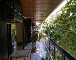 Apartamento de alto padrão em Ipanema, entre as ruas Joana Angélica e Maria Quitéria.