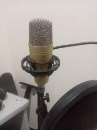 Título do anúncio: Microfone condensador Behringer c1 // interface
