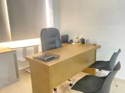 Vendo mesa de escritório em L em com excelente acabamento de alto padrão.