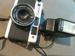 Câmera antiga Yashica Japan.